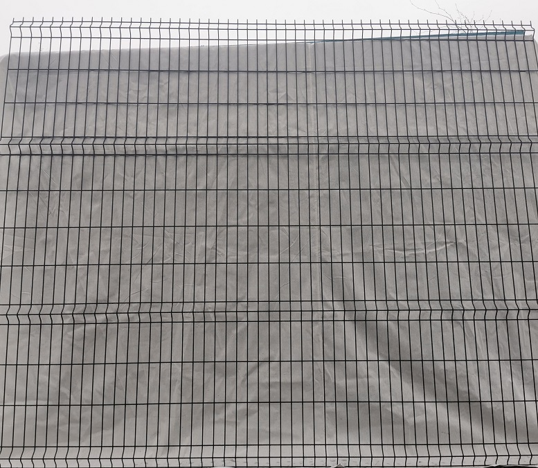V Mesh Post & Panel BLACK 2430 x 3000mm (25.62 vat / Metre)